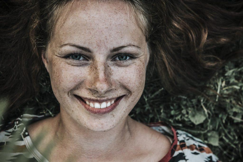 Как избавиться от пигментации кожи лица